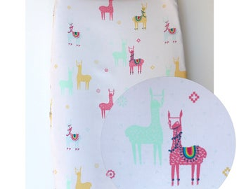 Colorful llamas baby changing pad cover, nursery, baby room, baby girl, shower gift, baby gift, 100% cotton, alpaca
