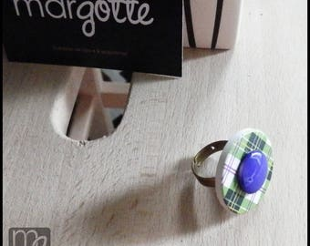 Ring button Scottish green and purple
