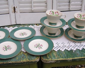 Vintage Homer Laughlin Eggshell Canterbury Tea Serving Set 4 Cups and Saucers and 4 Dessert Plates Pink Tulip Pattern with Green Edge