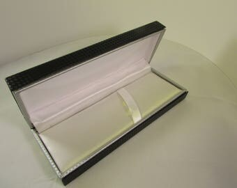 "Carbon Pen Box. Two-Tone carbon fiber pattern material (Fits pens up to 3/4"" diameter)"