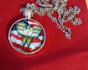Retrocon Sale - Chain Necklace - Glass - Wonder Woman