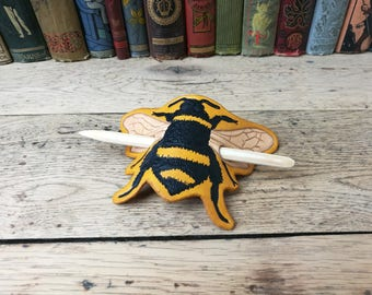 Leather barrette, hair barrette, bumblebee barrette, bumblebee hair clip, hair clip, leather hair barrette, handmade barrette, bumblebee
