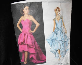 Vogue Misses Dress Gown Oscar de la Renta American Designer V2889 Size 12 14 16