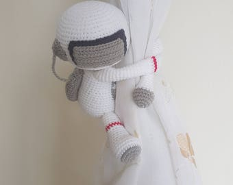 1 Astronaut Crochet curtain tie back,  Handmade astronaut curtain tie back. Nursery tie backs.  MADE TO ORDER***