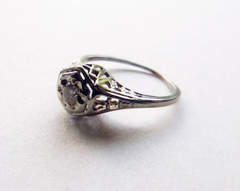 Art Deco diamond antique engagement ring filigree floral detail 18k white gold ring size 4.5