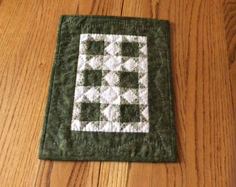 Small Green Star Wall Hanging-Table topper