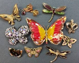 Twelve Butterfly and Bee Brooches and other bits. Perfect for crafts.  As is- free shipping