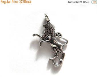 HALF PRICE 6 Silver Lion Connector Charms - Lion Rampant