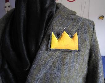 Basquiat tiny crown Valentine's day pop art gift wearable art small crown pin graffiti art unisex gift birthday anniversary textile jewelry