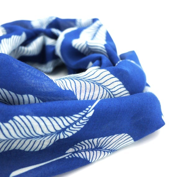 Blue and white wool viscose scarf with feathers and feathers infinity scarf