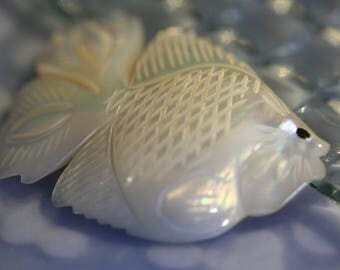 VAULT SPECIAL Exquisitely Carved Vintage Tropical Fish Brooch of MOP Shell from The Netherlands
