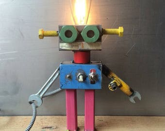 ROBOT lamp//ZIGZAG//iron//handmade//Industrial Design//upcycling
