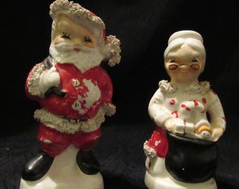 Vintage Set Napco Mr And Mrs Santa Claus Christmas Salt Pepper Shakers Ceramic Spaghetti Trim