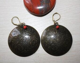 Ethnic bronze earrings red bead