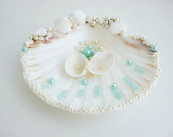 Shell ring holder, Wedding Ring Holder, Sea shell Ring Bearer, Sea Wedding, Ring Bearer, Beach Wedding, Sea Shell Ring Pillow, Aqua blue