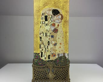 Antique ceramic vase in brass with paint The Kiss by Gustav Klimt