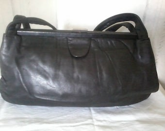 Very soft leather bag in black color