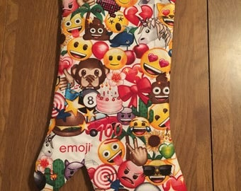 Emoji oven mitt