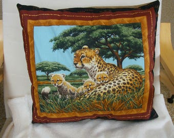 """Handmade cushion family """"Léopard"""""""