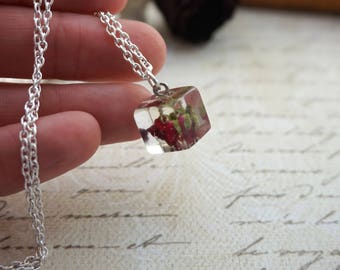 Bohemian jewelry Charm necklace Red rose necklace Red flower jewelry Everyday necklace Terrarium jewelry Tiny necklace Rosebud red pendant