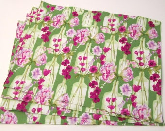 Large Cloth Place Mats - Set of 4 - Green Purple Floral Flowers Vases -  Reversible