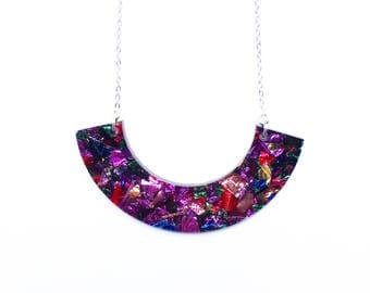 Rainbow glitter saturn acrylic necklace