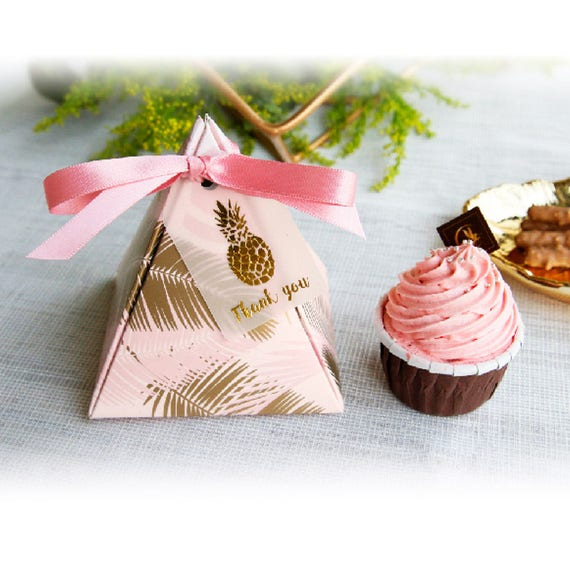 Gold Pyramid Favor Boxes : Pcs large gold leaf print on pink pyramid gift boxes