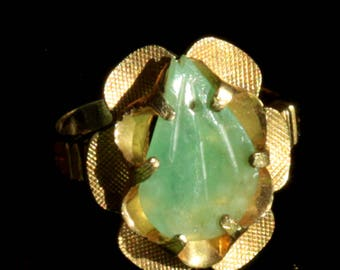 Very pretty vintage 10K GF  Antique Chinese Jadeite Jade RING US size 6  textured 10k goldfilled   Floral Ring  Leaf  Jade  Chinese Export