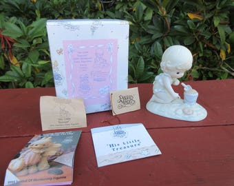 """Vintage Precious Moments 1993 Member's Only Figurine """"His Little Treasure"""" in the Box with Paperwork"""