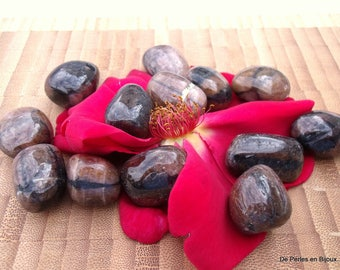 1 rolled stone ANDALUSITE (chiastolite on name or cross stone) natural stone