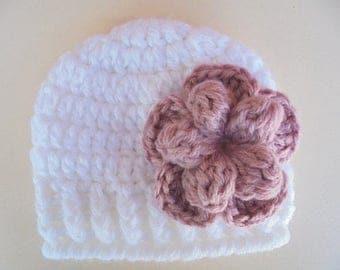 White baby girl hat Newborn girl hat Infant girl beanie Newborn girl outfit Crochet newborn hat Baby girl beanie White newborn hat