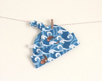 Blue cotton baby hat with goldfish, baby knotted hat, knot hat, fish print, cotton baby hat, infant hat. Baby girl or boy