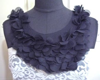 1 pc Black Ruffles Chiffon Neckline Collar Lace Patch Motif Appliques Front Panel Need Sewing A133