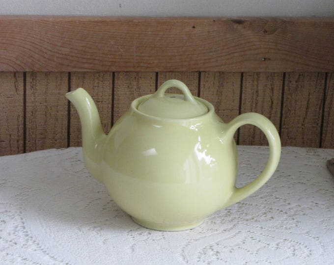 Lipton Tea Yellow Teapot Vintage Tea Service and Drinkware Advertising and Giveways