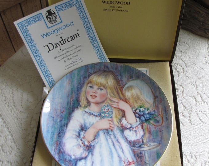"""Mary Vickers Decorative Plate The Blossoming of Suzanne Wedgwood Series Third Issue """"Daydream"""" Bone China Bradford Exchange"""