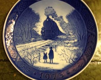 Royal Copenhagen Porcelain Plate - Going Home For Christmas - 1973