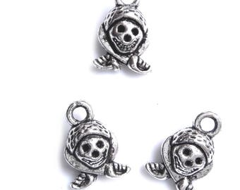 Set of 5 charms 10x10mm pirate head