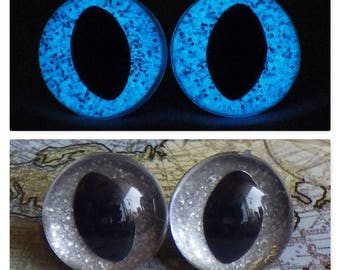 15mm Glow In The Dark Cat Eyes, Smoky Silver Glitter Safety Eyes With Blue Glow, 1 Pair Of Glow In The Dark Safety Eyes