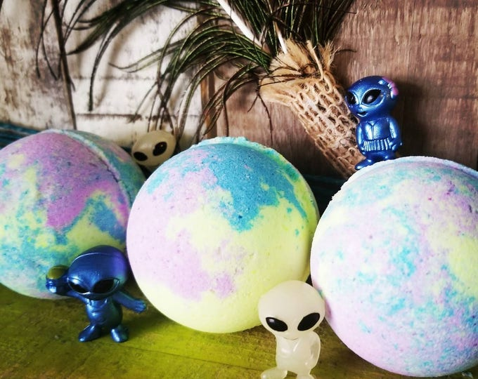 6 Alien Galaxy Bath Bombs