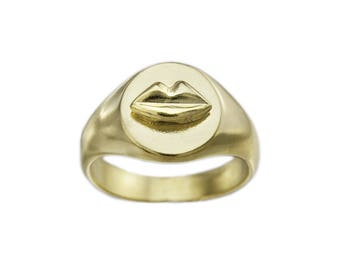 Ring Signet Gold Kiss