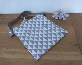 Waterproof pouch for pool printed gray and white triangles