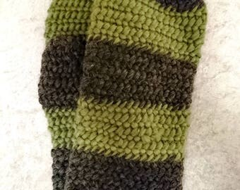 Gray and green needlebound winter mittens size XL