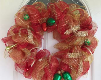 Christmas Wreath, Holiday Wreath, Christmas Ornament, Mesh wreath, Red and gold Wreath