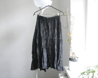 Vintage S/M black velvet tiered midi skirt
