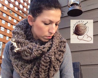 Outlander Inspired, Ladies chunky cowl/infinity scarf. Made from a very soft wool blend.