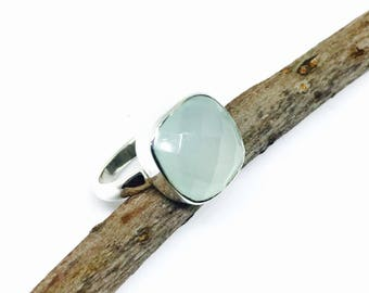 Sea green chalcedony ring set in Sterling silver 925. Natural authentic stone. Size - 7.