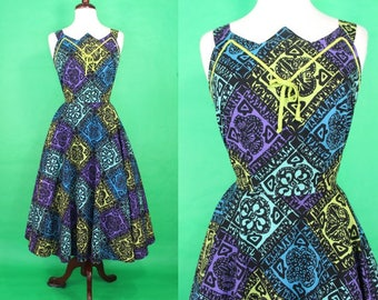 50's Hawaiian Dress......50's Cool Tones Tapa Batik Print 50's Hawaiian Dress Tiki Dress