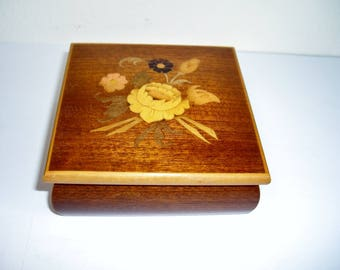 Inlaid Sorrento Italy Wood Jewelry Trinket Box, Vintage