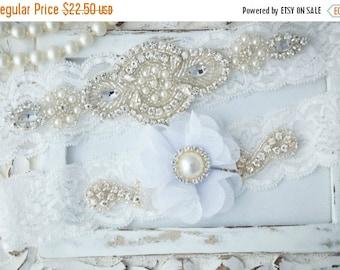 ON SALE Wedding Garter Set, Bridal Garter Set, Vintage Wedding, Lace Garter, White Garter Set, White Wedding Garter, White Bridal Garter - S
