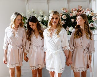Set of 5 Bridesmaid Robes // Robe // Bridal Robe // Bride Robe // Bridal Party Robes // Bridesmaid Gifts // Satin Robe // Lauren